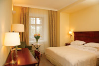 Superior & Deluxe Rooms in Leopolis Hotel